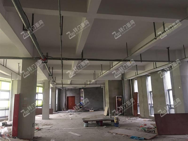长江路地铁口绿地外滩公馆3楼物业招租