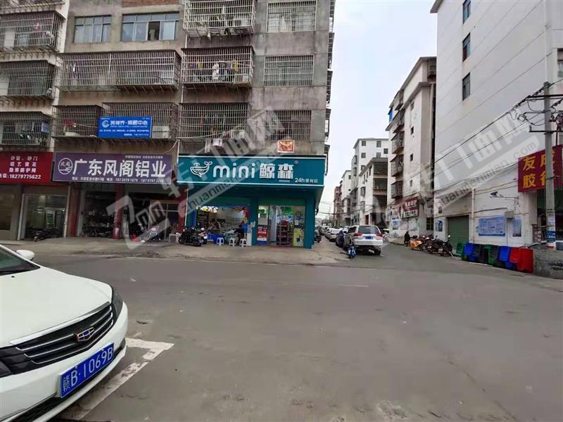 新区开发区小区口品牌便利店超市转让(日营业额3000-4500)